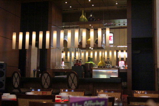 Why not relax and have a cool drink at the Sampoerna Cafe after your free city tour?