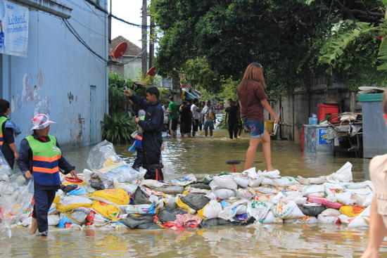 Water overflows during a tidal flood, Sam Sen Rd, Bangkok