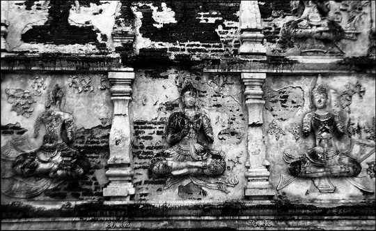 The stucco covered Buddhist 'angels'