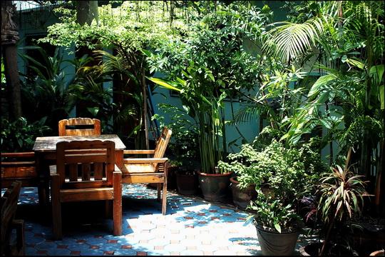 Excellent garden setting
