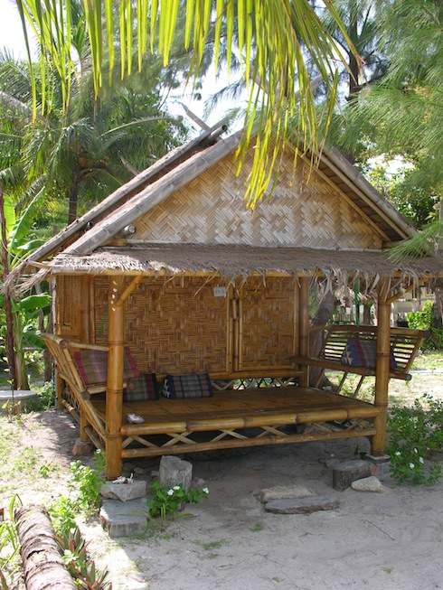 A cheap bungalow at Lipe Beach Resort -- everything you need.