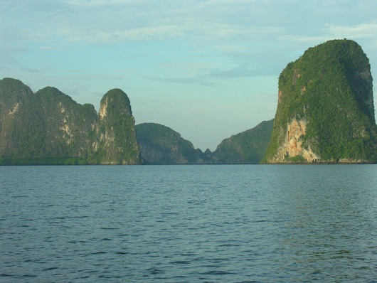 "And in this corner, the Andaman Sea underdog -- Thailand's ""floating house"" -- Phang Nga Bay!"