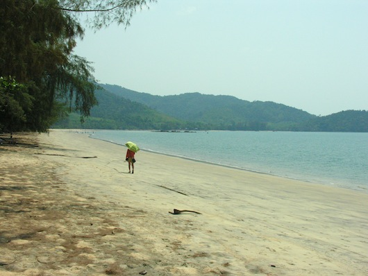 "Long Beach -- Ko Chang's ""busy"" area."
