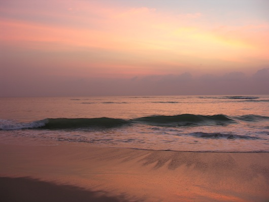 A tranquil dusk seascape over Nam Kem beach.