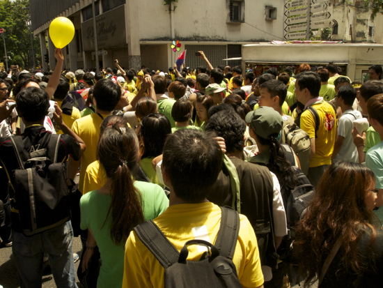 Yellow and green combine at Bersih 3.0.