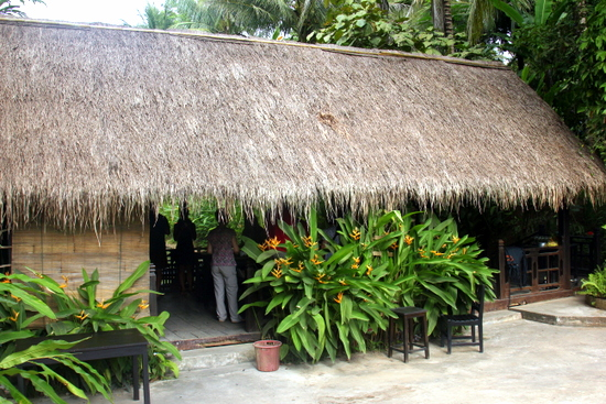 The sala in which the Tamarind cooking school takes place