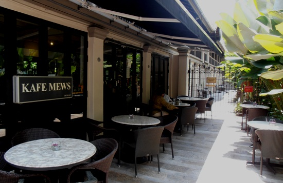 Mews Cafe, Muntri Street.