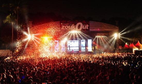 and Siloso Beach during ZoukOut. (image from Zouk)
