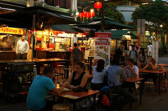 Streetfood tastes best when eaten at a folding table on the street.