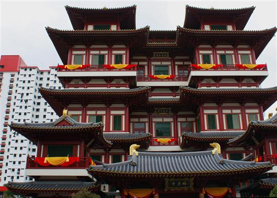 The Tooth Relic Temple is worth exploring from top to bottom.