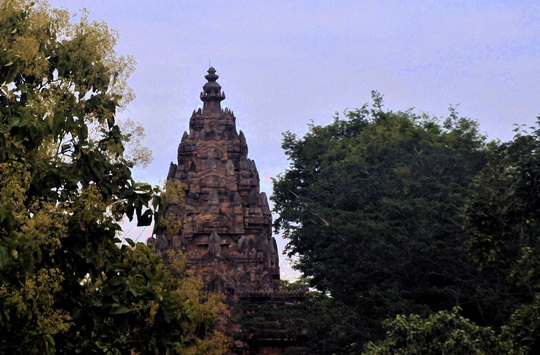 First view of Phnom Rung's central shrine