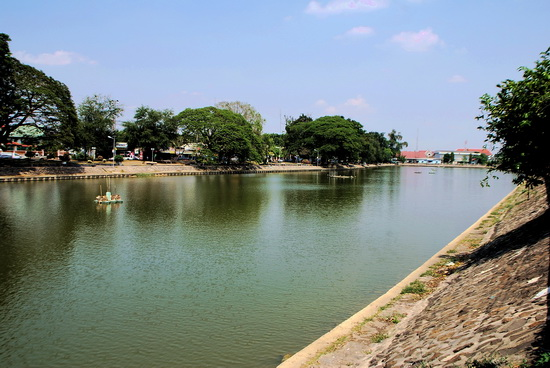 This popular Surin picnic spot was once the Angkor period city moat 
