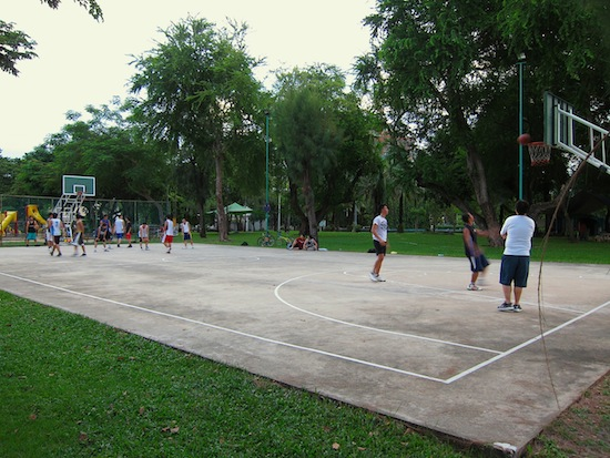 One of Bangkok's best nightly  basketball runs.
