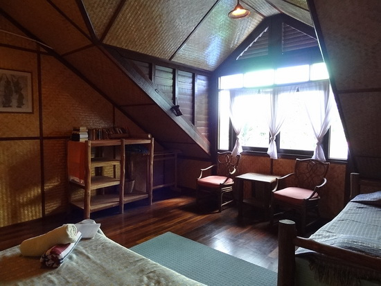 Bamboo haven: Shanti's Traditional room.