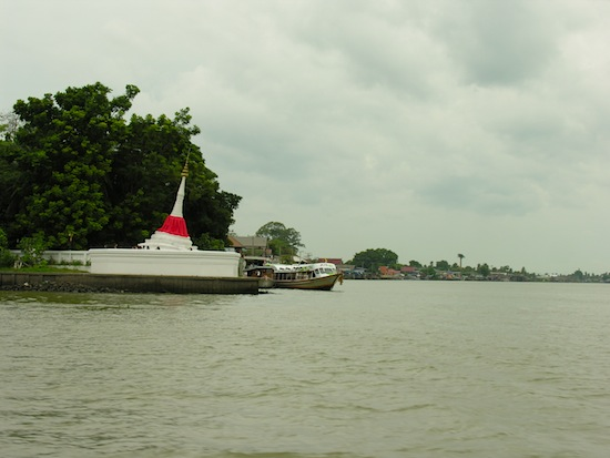 Ko Kret can still only be reached by boat.