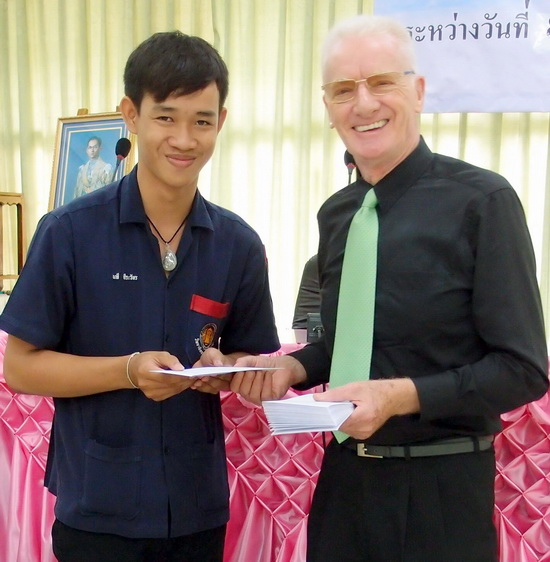One of the many Thai students supported by the SET scholarship program.