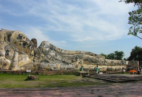 Wat Lokkayasutha: Almost as good as Wat Pho.