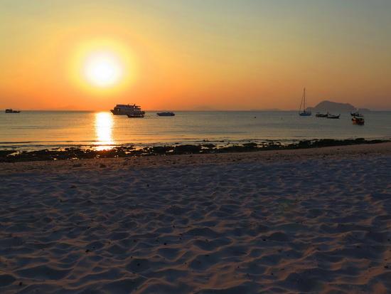Sunset on Yao Yai's Loh Jark beach. Not too shabby.