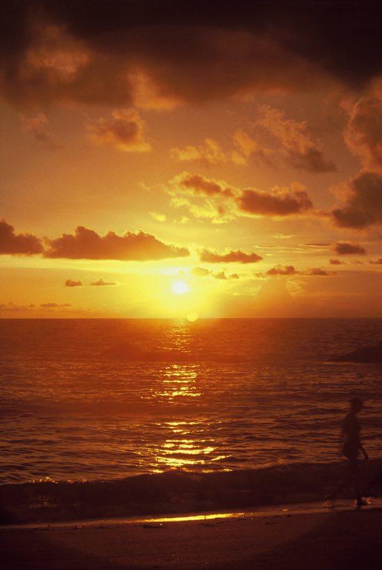 Ko Phra Thong: No need to share sunsets
