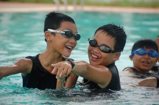 Who says swim school can't be fun!