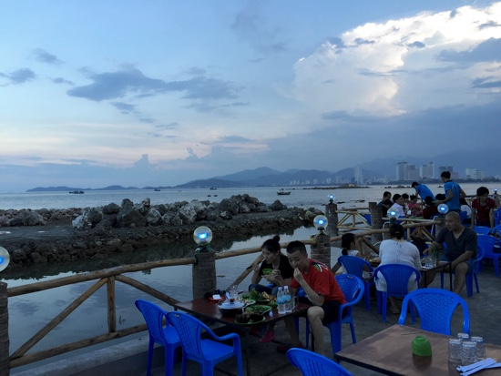 NT_Lang Chai Hai San Dai Duong seafood_seaside dining terrace